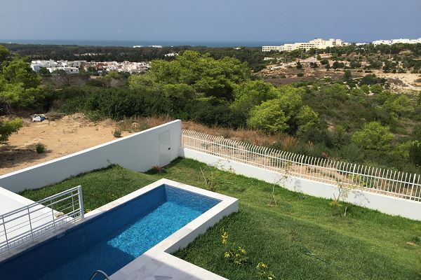 Zitouna immobilier villa louer avec piscine for Appartement a louer a sidi bouzid avec piscine